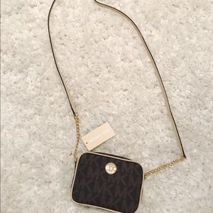 Michae Kors cross body purse